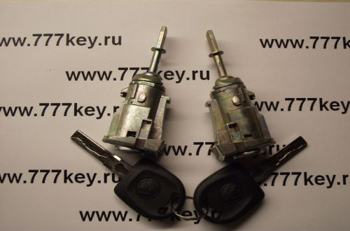 Bora/Polo Left/Right Door Lock код 1021